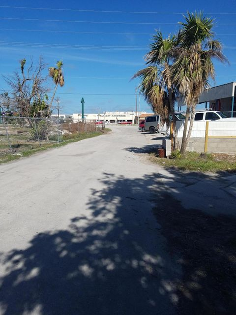 Additional photo for property listing at 600 107Th Street Ocean 600 107Th Street Ocean Marathon, Florida 33050 Vereinigte Staaten