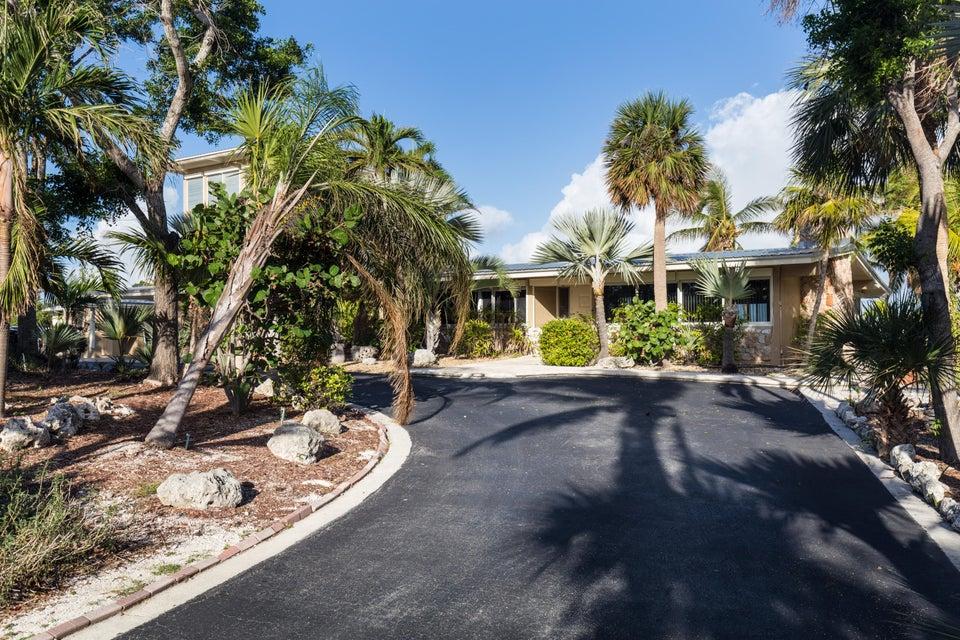 独户住宅 为 销售 在 11280 6Th Avenue Gulf 11280 6Th Avenue Gulf 马拉松, 佛罗里达州 33050 美国