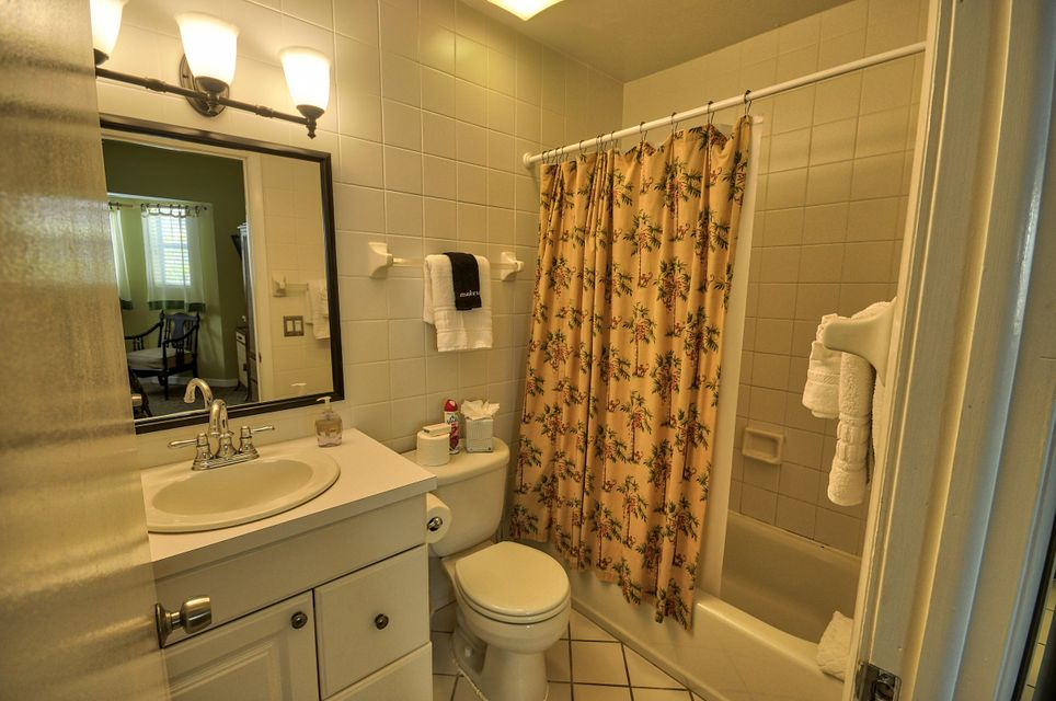 Additional photo for property listing at 1075 Duval Street 1075 Duval Street Key West, Florida 33040 Usa