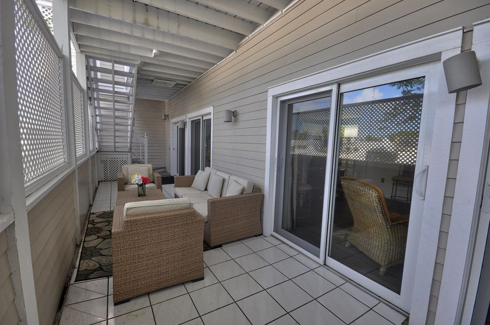 Additional photo for property listing at 1075 Duval Street 1075 Duval Street Key West, Florida 33040 Vereinigte Staaten
