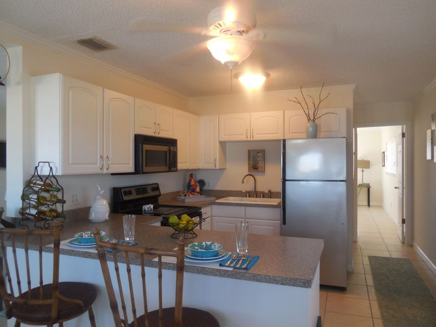 Additional photo for property listing at 31580 Avenue D 31580 Avenue D Big Pine Key, Florida 33043 États-Unis