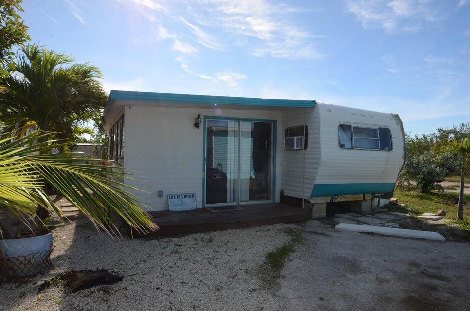 Enfamiljshus för Försäljning vid 55 Boca Chica Road 55 Boca Chica Road Big Coppitt, Florida 33040 Usa