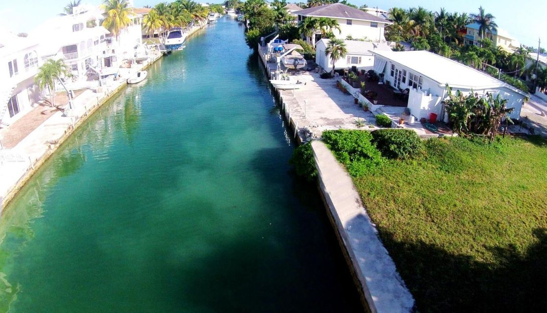 Villa per Vendita alle ore 473 E Caribbean Drive 473 E Caribbean Drive Summerland Key, Florida 33042 Stati Uniti