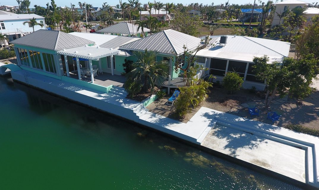 Single Family Home for Sale at 17161 W Starfish Lane 17161 W Starfish Lane Sugarloaf, Florida 33042 United States