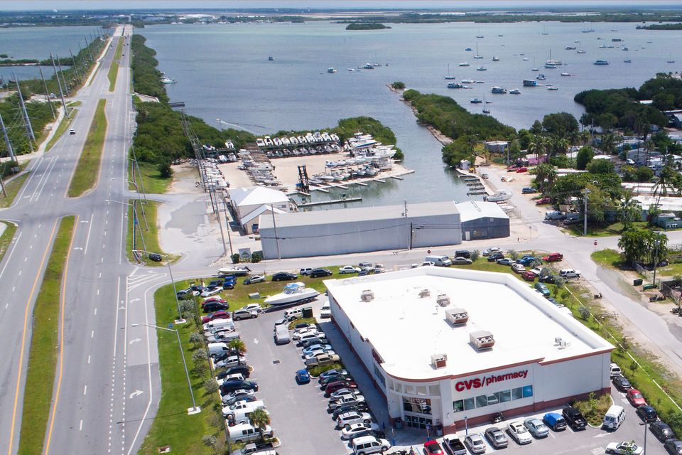 Comercial para Venda às 5710 Overseas Highway 5710 Overseas Highway Stock Island, Florida 33040 Estados Unidos