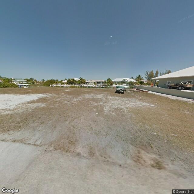Maison unifamiliale pour l Vente à 20847 W 5th Avenue 20847 W 5th Avenue Cudjoe Key, Florida 33042 États-Unis
