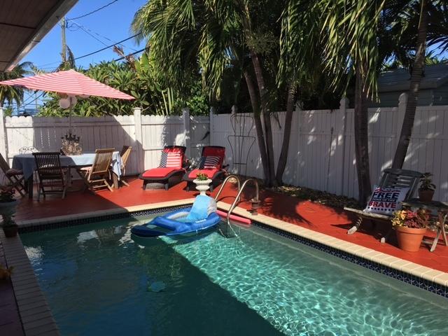 Частный односемейный дом для того Продажа на 909 17Th 909 17Th Key West, Флорида 33040 Соединенные Штаты