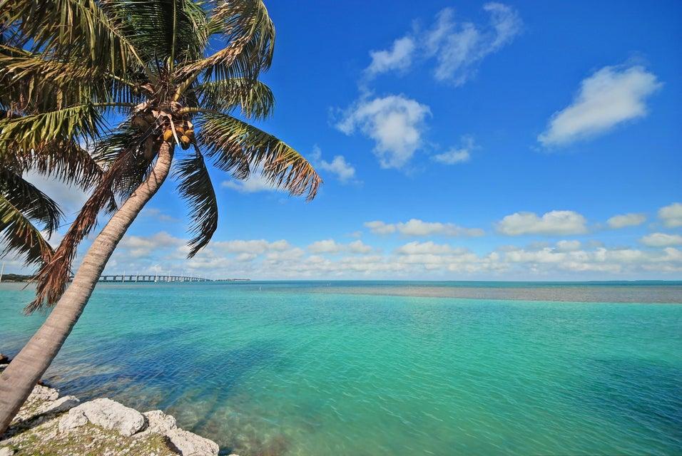 Additional photo for property listing at M.M. 72 Overseas M.M. 72 Overseas Islamorada, Florida 33036 United States