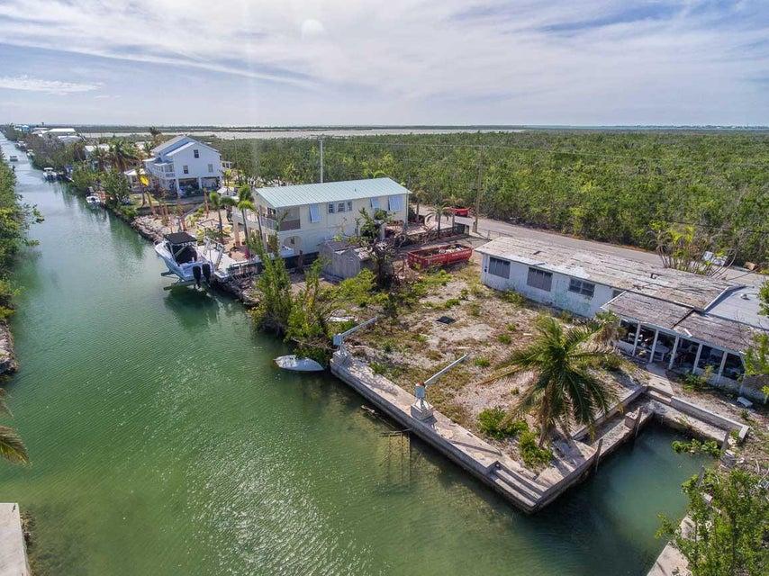 Casa Unifamiliar por un Venta en 133 Indies Road 133 Indies Road Ramrod Key, Florida 33042 Estados Unidos