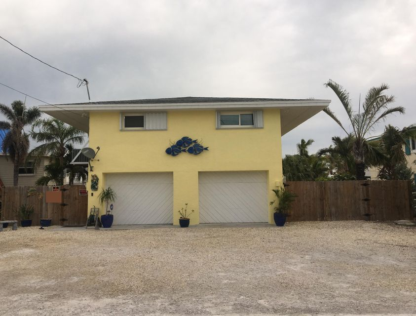Single Family Home for Sale at 643 Diane Avenue 643 Diane Avenue Little Torch Key, Florida 33042 United States