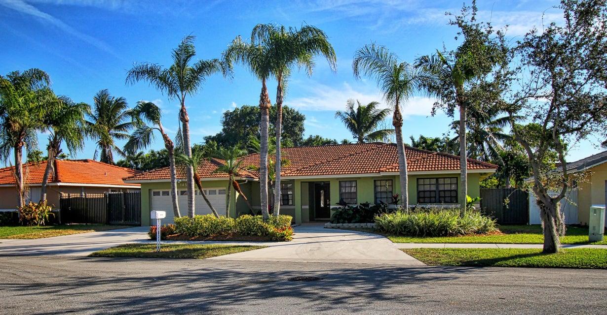 獨棟家庭住宅 為 出售 在 14520 SW 153rd Terrace 14520 SW 153rd Terrace Other Areas, 佛羅里達州 00000 美國