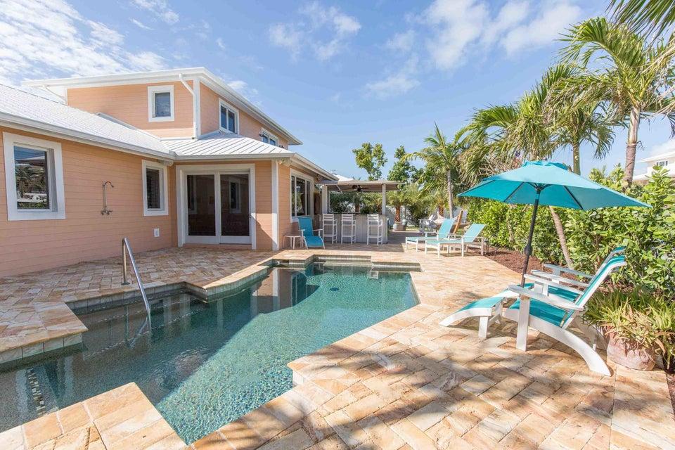 Single Family Home for Sale at 175 Harbor Drive 175 Harbor Drive Tavernier, Florida 33070 United States