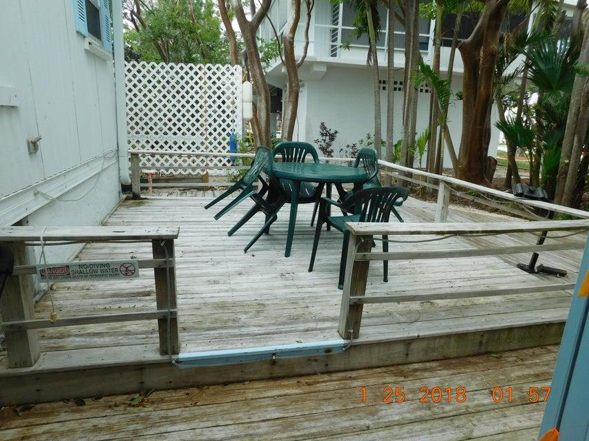 단독 가정 주택 용 매매 에 811 N Topaz 811 N Topaz Key Largo, 플로리다 33037 미국