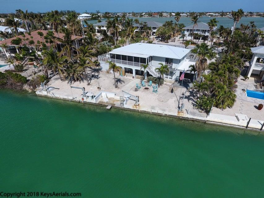 Maison unifamiliale pour l Vente à 320 South Point Drive 320 South Point Drive Sugarloaf, Florida 33042 États-Unis