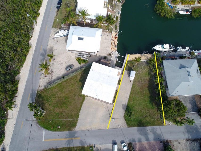 Coral Avenue Coral Avenue Tavernier, Florida 33070 United States