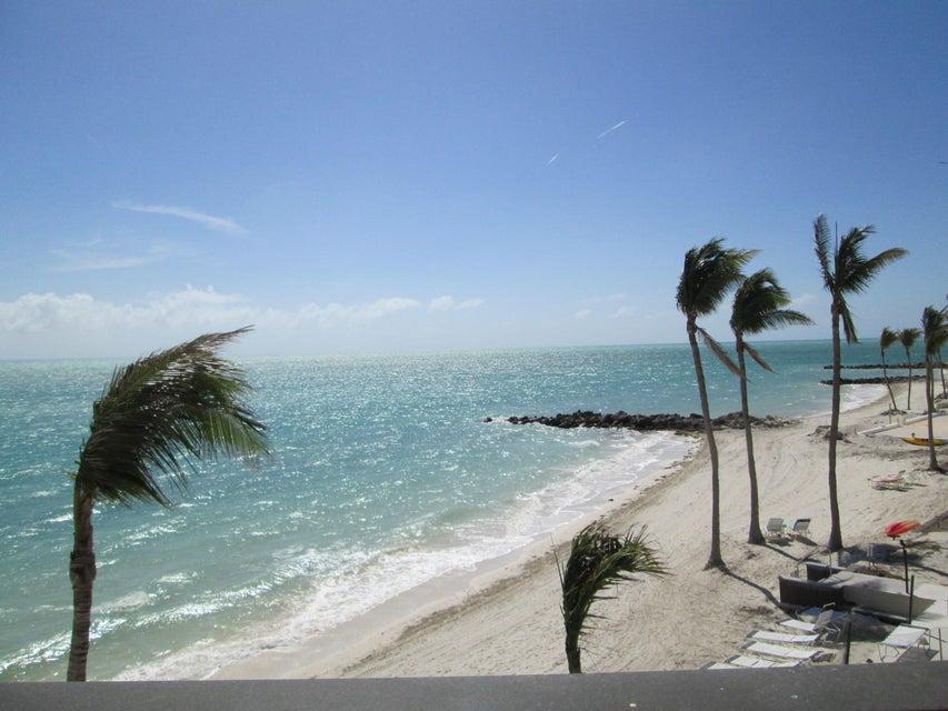 Andelslägenhet för Försäljning vid 1001 W Ocean Drive 1001 W Ocean Drive Key Colony, Florida 33051 Usa
