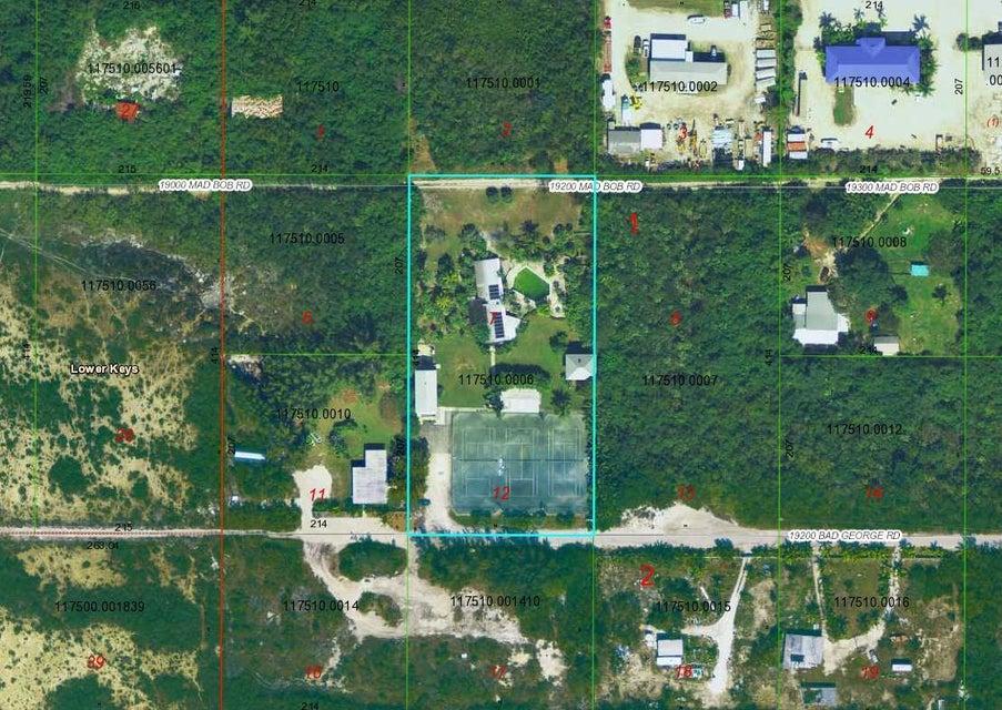 Comercial por un Venta en 19269 Bad George Road 19269 Bad George Road Sugarloaf, Florida 33042 Estados Unidos