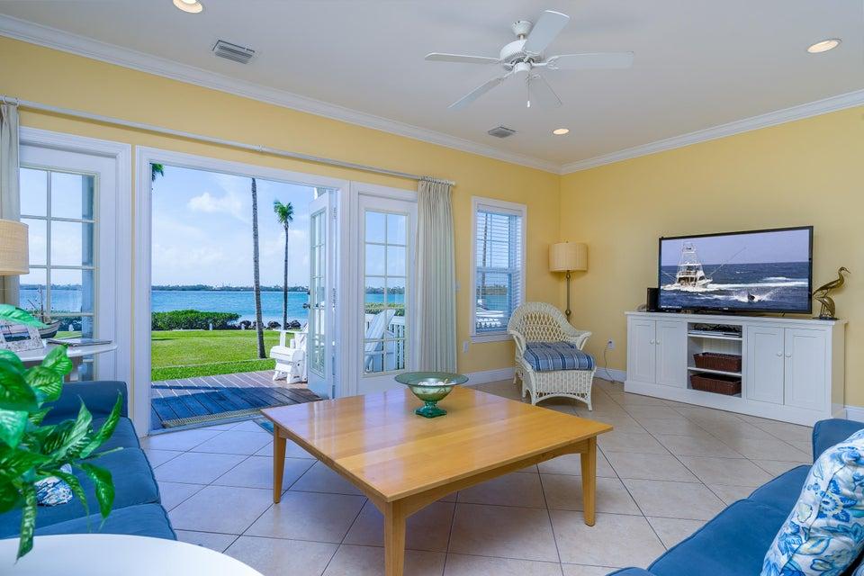 Maison accolée pour l Vente à 11600 1st Avenue Gulf 11600 1st Avenue Gulf Marathon, Florida 33050 États-Unis