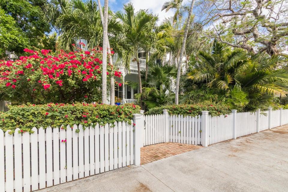 Moradia para Venda às 1017 Southard Street 1017 Southard Street Key West, Florida 33040 Estados Unidos