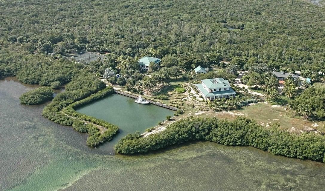 Maison unifamiliale pour l Vente à 601 County Road 601 County Road Sugarloaf, Florida 33042 États-Unis