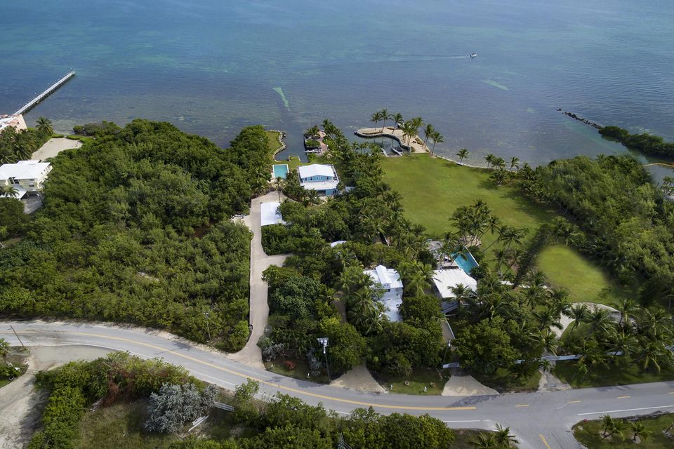 Villa per Vendita alle ore 87437 OLD Highway 87437 OLD Highway Islamorada, Florida 33036 Stati Uniti
