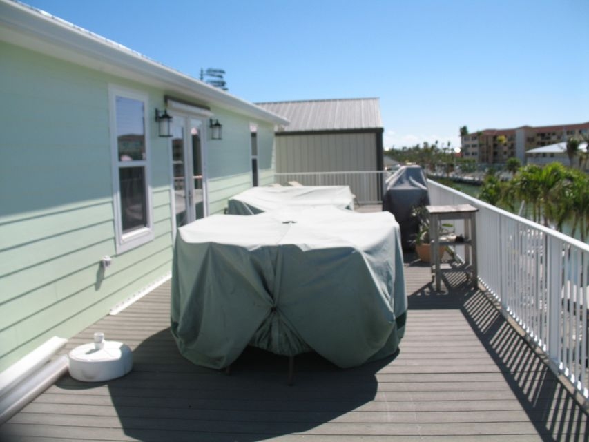 Additional photo for property listing at 415 Sombrero Beach Road 415 Sombrero Beach Road Marathon, Florida 33050 États-Unis