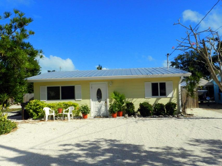 Enfamiljshus för Försäljning vid 186 Jasmine Street 186 Jasmine Street Islamorada, Florida 33070 Usa