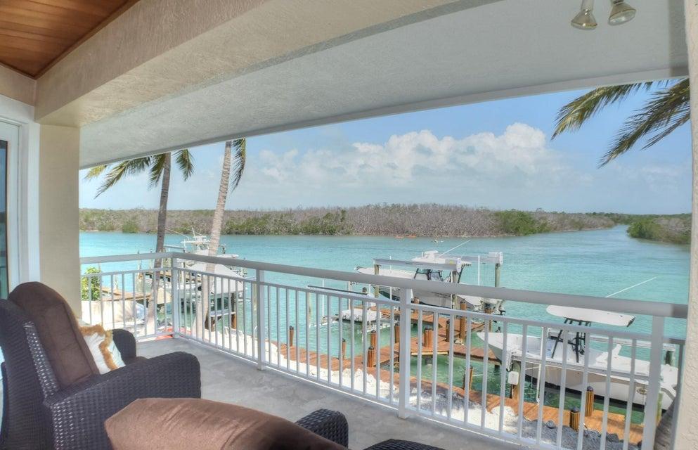 独户住宅 为 销售 在 216 Tide Avenue 216 Tide Avenue 塔威尼尔, 佛罗里达州 33070 美国