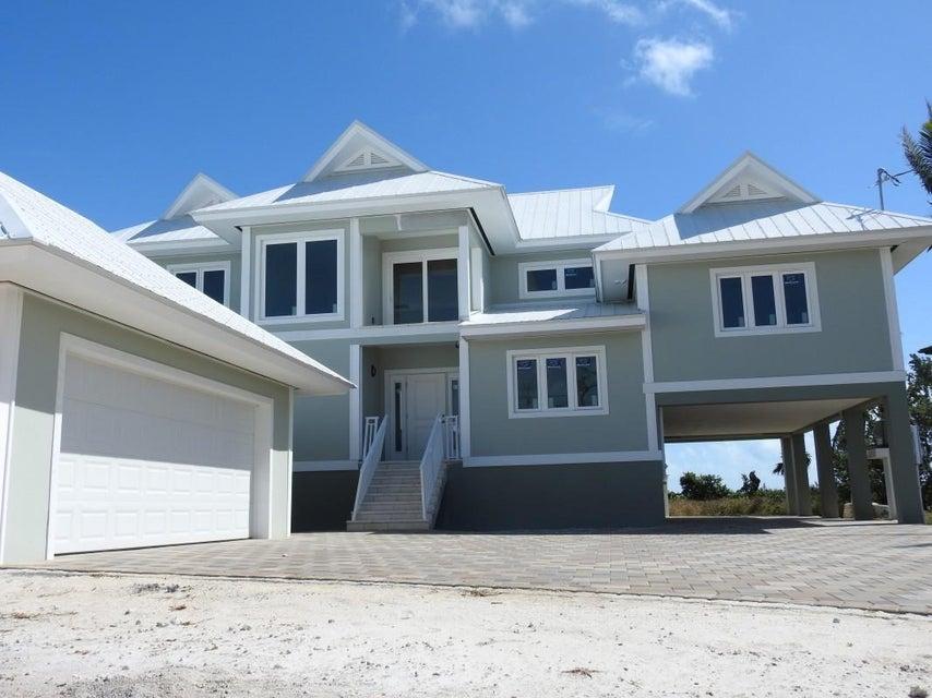 Частный односемейный дом для того Продажа на 101 Windy Point Circle 101 Windy Point Circle Marathon, Флорида 33050 Соединенные Штаты