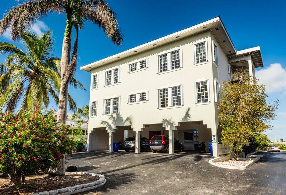 多户住宅 为 销售 在 815 Eisenhower Drive 815 Eisenhower Drive Key West, 佛罗里达州 33040 美国