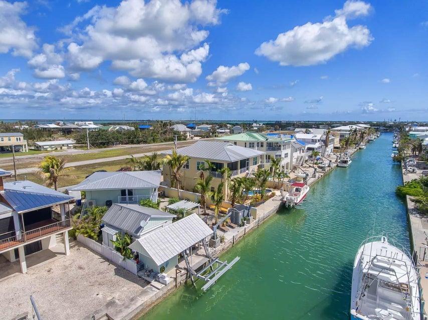 Villa per Vendita alle ore 344 S Airport Drive 344 S Airport Drive Summerland Key, Florida 33042 Stati Uniti