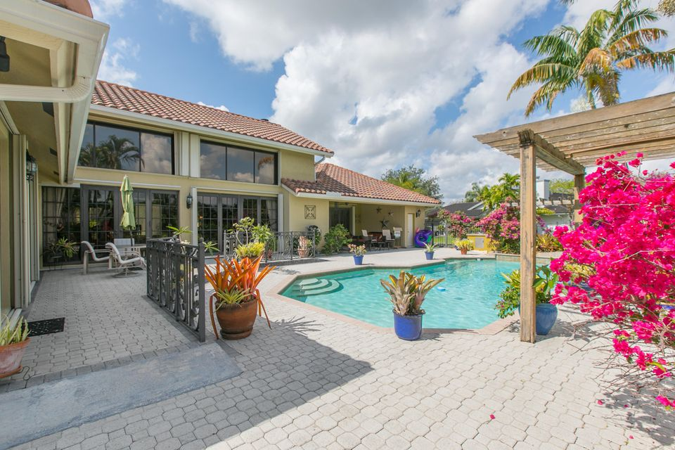 Single Family Home for Sale at 13501 SW 34th Street 13501 SW 34th Street Other Areas, Florida 00000 United States