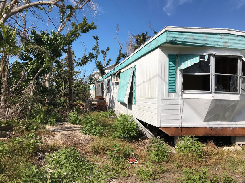 Additional photo for property listing at 31359 Avenue D 31359 Avenue D Big Pine Key, Florida 33043 Estados Unidos