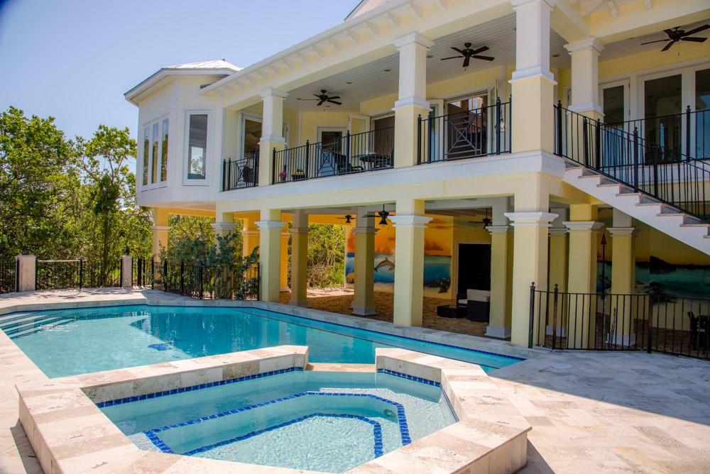 Tek Ailelik Ev için Satış at 95551 Overseas Highway 95551 Overseas Highway Key Largo, Florida 33037 Amerika Birleşik Devletleri