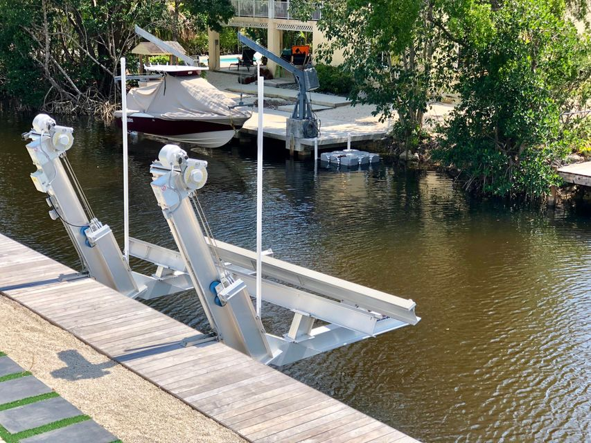 Villa per Vendita alle ore 7 N Blackwater Lane 7 N Blackwater Lane Key Largo, Florida 33037 Stati Uniti