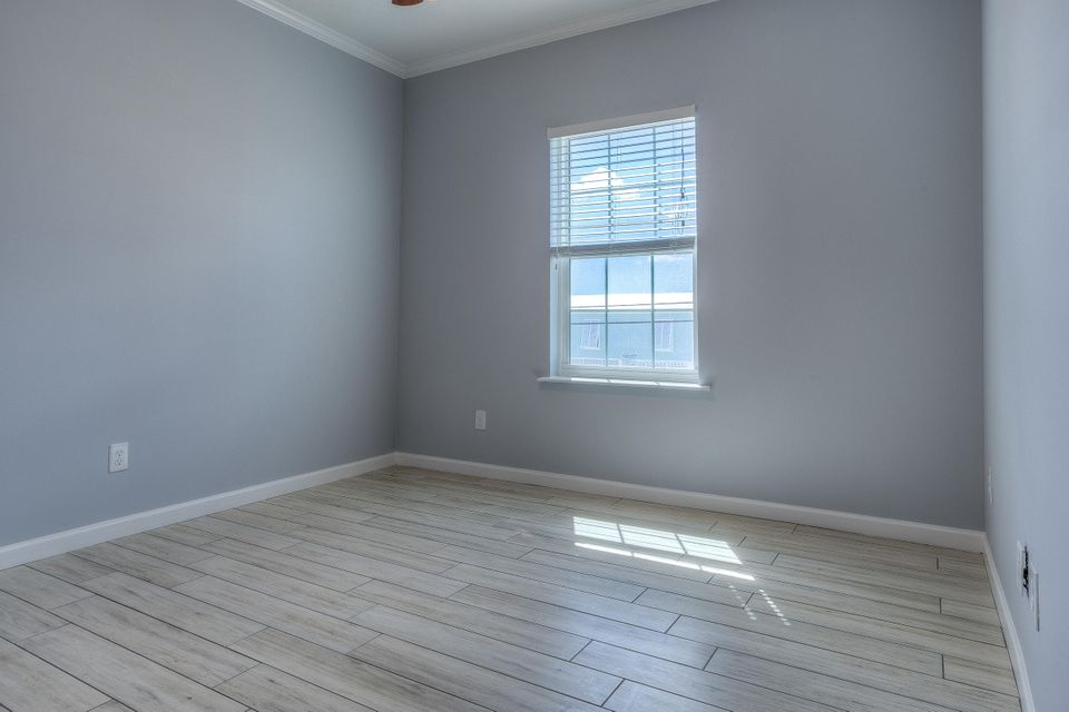 Additional photo for property listing at 8 Beach Drive 8 Beach Drive Saddlebunch, 플로리다 33040 미국
