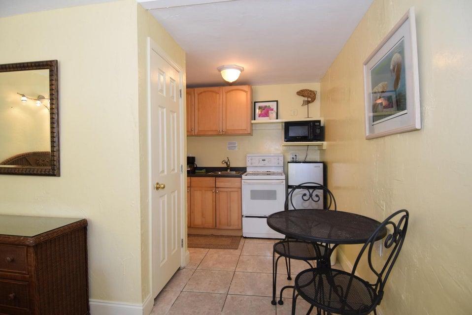 Additional photo for property listing at 888-890 50Th Street Gulf 888-890 50Th Street Gulf Marathon, Florida 33050 Estados Unidos