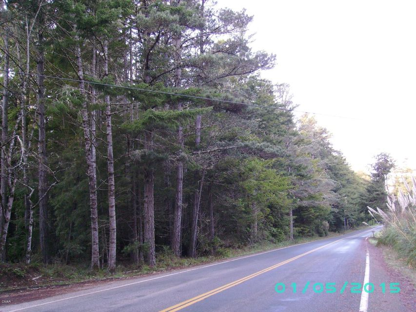 Additional photo for property listing at Caspar Little Lake Road Caspar Little Lake Road Mendocino, California 95460 United States