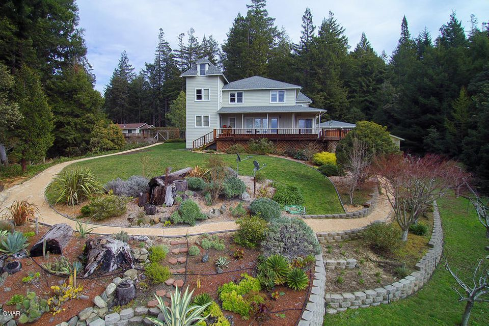 Casa Unifamiliar por un Venta en 28401 Simpson Lane 28401 Simpson Lane Fort Bragg, California 95437 Estados Unidos