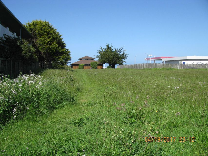 Acreage for Sale at 731 S Franklin Street 731 S Franklin Street Fort Bragg, California 95437 United States