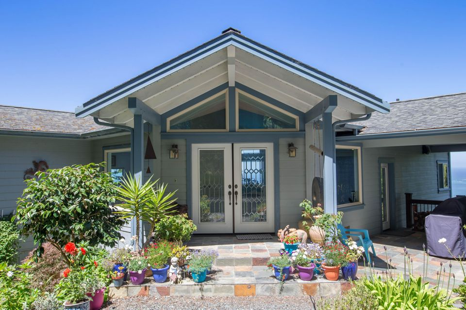 Additional photo for property listing at 40951 Seascape Drive 40951 Seascape Drive Westport, California 95488 United States
