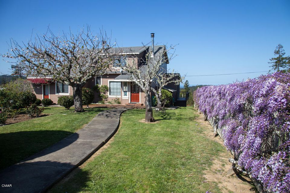 Additional photo for property listing at 27917 State Hwy 20 27917 State Hwy 20 Fort Bragg, California 95437 Estados Unidos