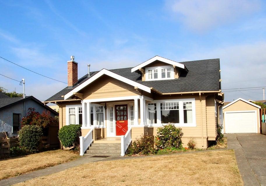 Casa Unifamiliar por un Venta en 110 N Whipple 110 N Whipple Fort Bragg, California 95437 Estados Unidos