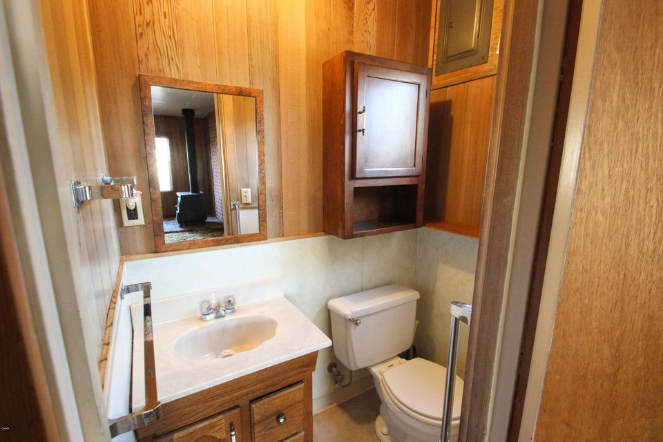 Additional photo for property listing at 110 N Whipple 110 N Whipple Fort Bragg, California 95437 United States