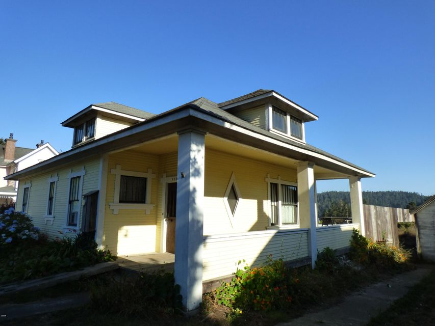 Additional photo for property listing at 44855 Pine Street 44855 Pine Street Mendocino, California 95460 United States