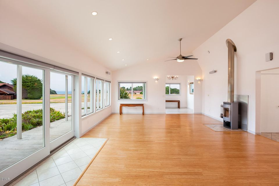 Additional photo for property listing at 34351 Sunset Way 34351 Sunset Way Fort Bragg, 加利福尼亚州 95437 美国