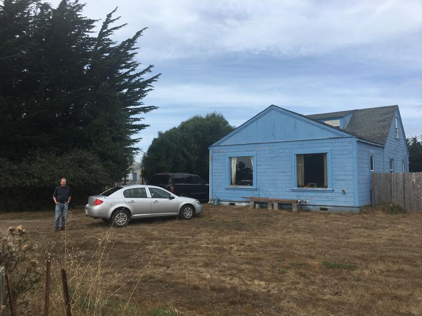 Superficie en Acres por un Venta en 860 Hazelwood Street 860 Hazelwood Street Fort Bragg, California 95437 Estados Unidos