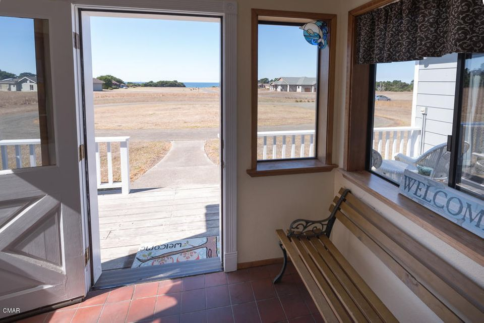 Additional photo for property listing at 34251 Sunset Way 34251 Sunset Way Fort Bragg, California 95437 United States