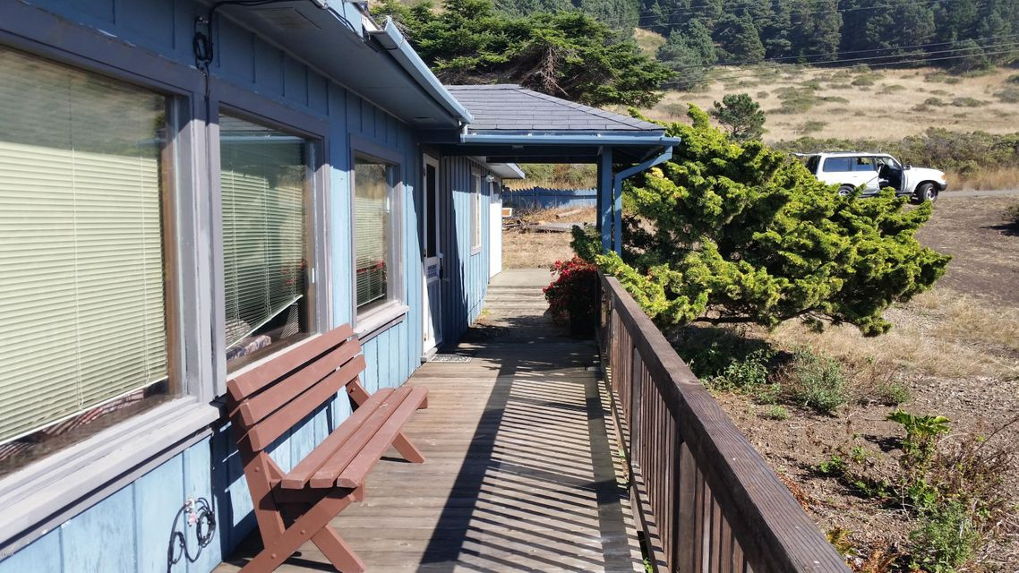 Additional photo for property listing at 1330 Navarro Bluff Road 1330 Navarro Bluff Road Albion, California 95410 Estados Unidos