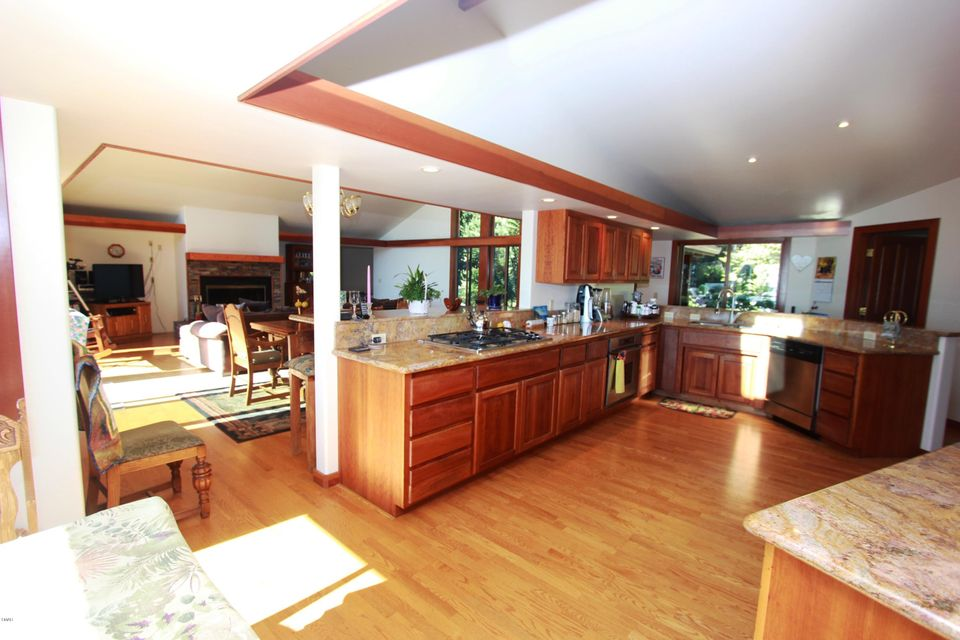 Additional photo for property listing at 24501 Pacific Heights Drive 24501 Pacific Heights Drive Westport, California 95488 United States